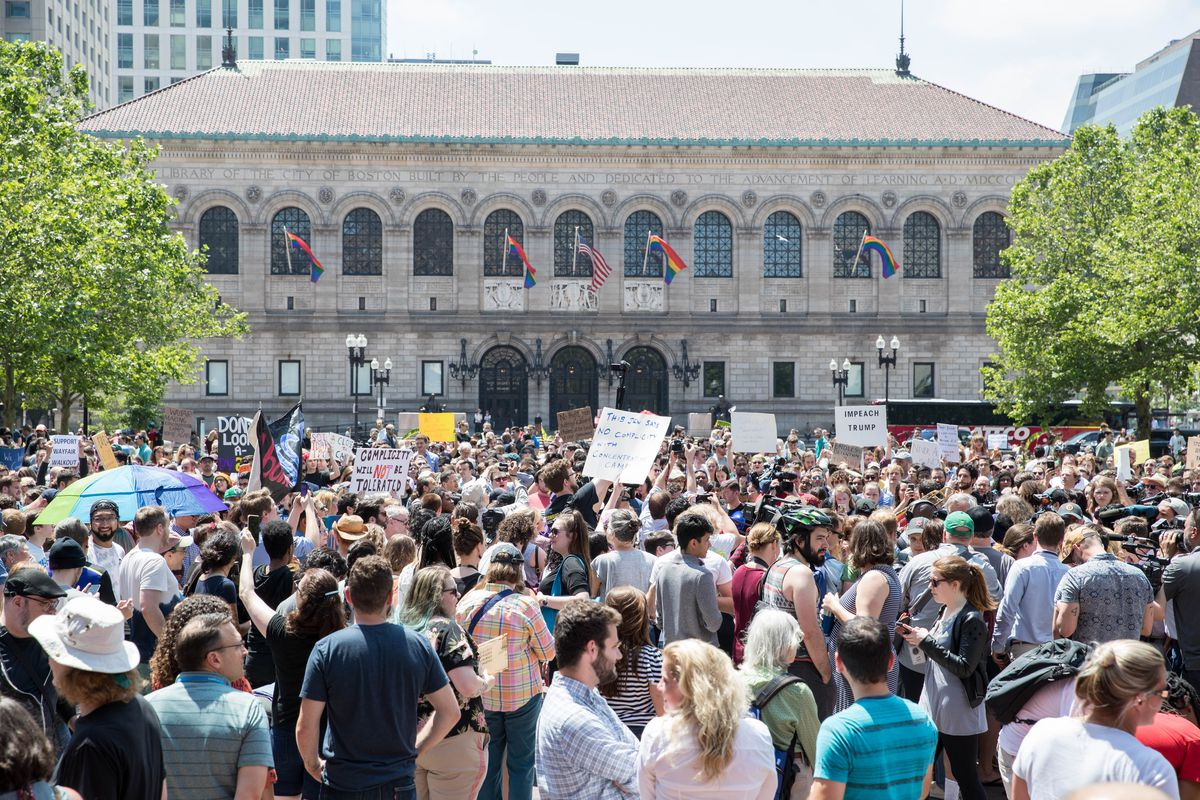 Wayfair walkout draws at least several hundred to Boston's