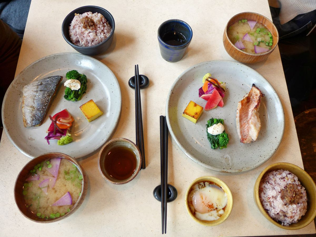 Plates of varying sizes offer fish at Okonomi
