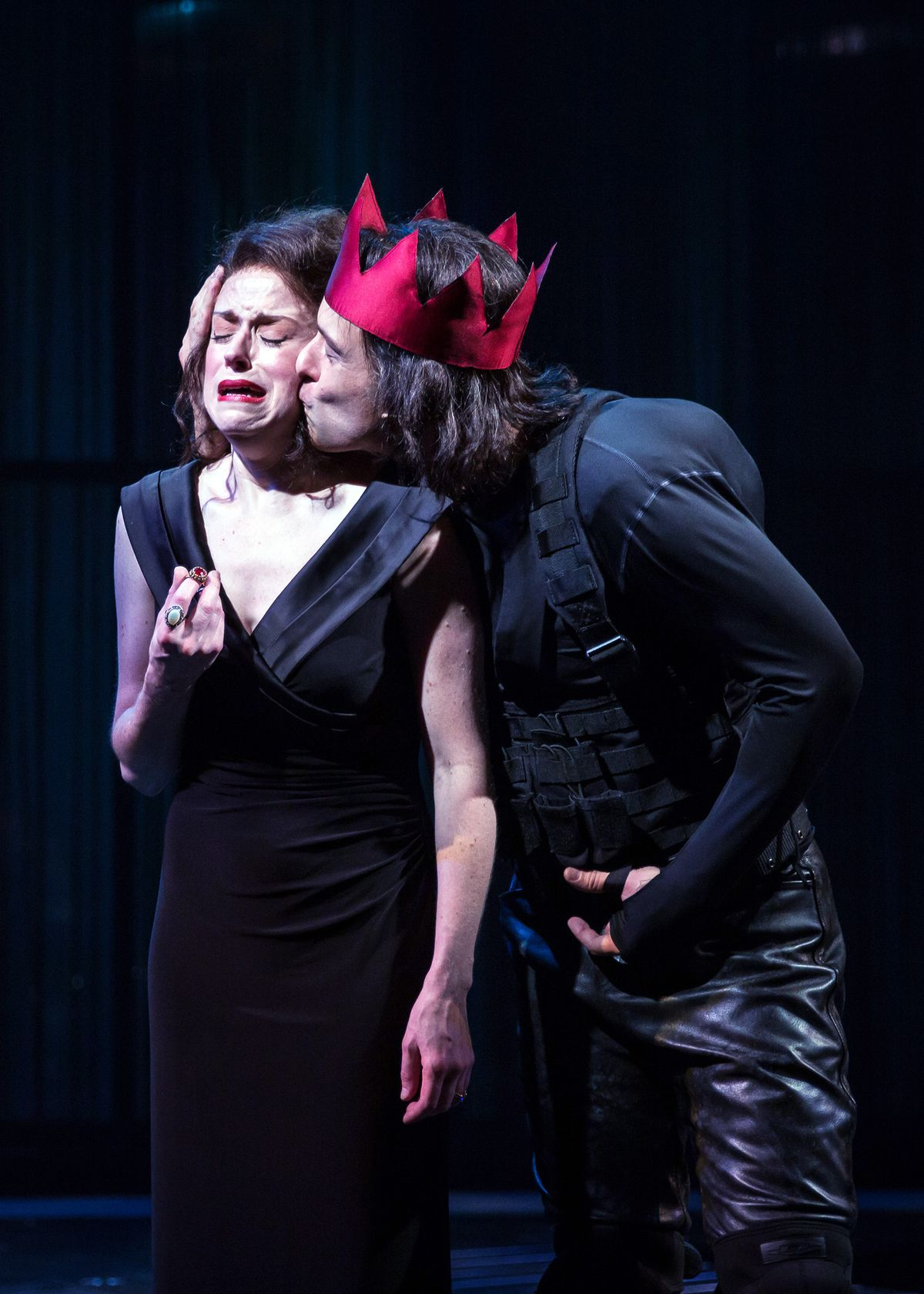 """King Richard III (played by Timothy Edward Kane), preys upon his brother's widow, Elizabeth (Heidi Kettenring) in """"Tug of War: Civil Strife"""" at Chicago Shakespeare Theater. (Photo: Liz Lauren)"""