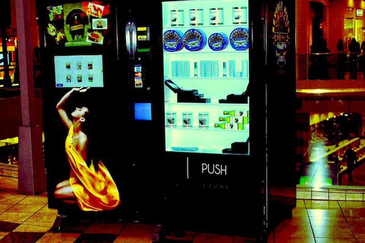 """Image via <a href=""""http://laist.com/2012/11/23/black_caviar_for_black_friday_at_ne.php"""">LAist</a>"""
