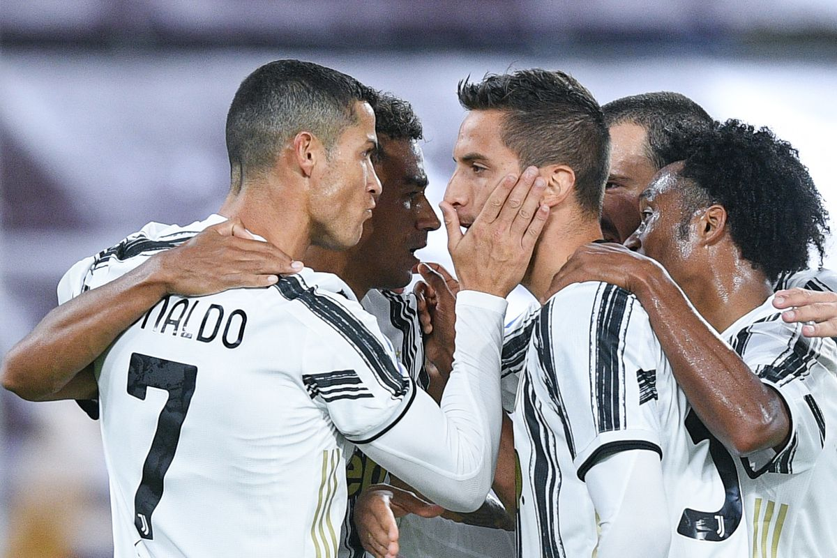 Juventus 2 Roma 2 Initial Reaction And Random Observations Black White Read All Over