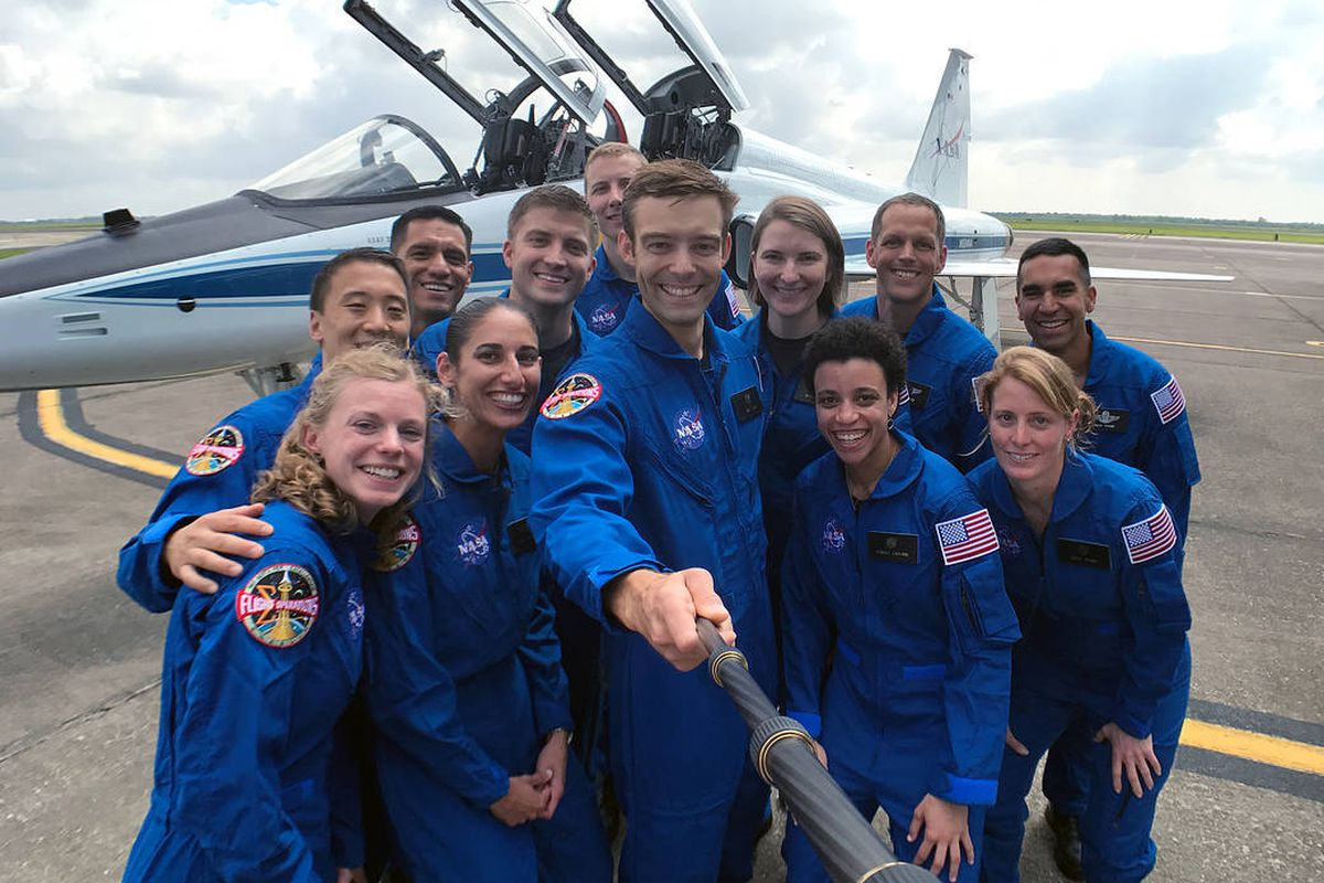 A SpaceX engineer and marine biologist explain how they got picked ...