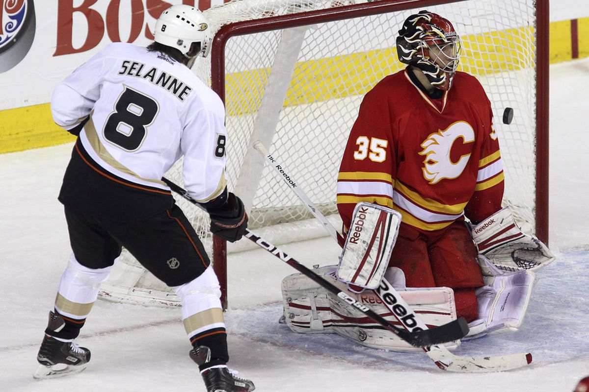 Goals? Selanne will probably score a lot more of them this season. Photo credit