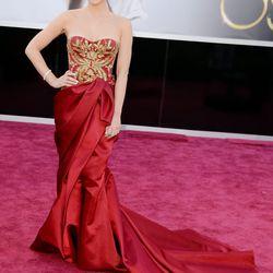 Olivia Munn in red Marchesa.