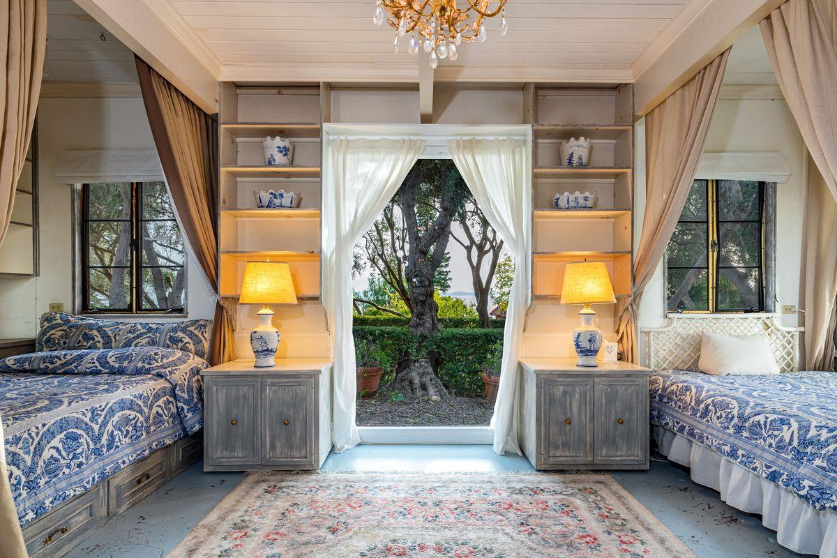 Farmhouse Bedside Lamps