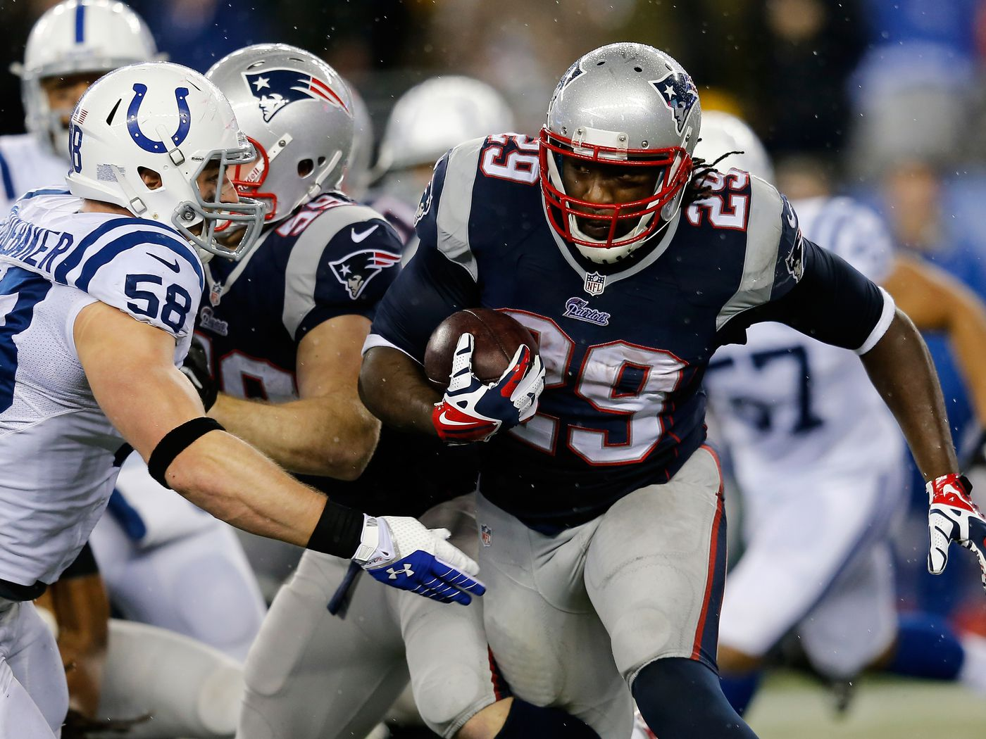 Colts vs. Patriots final score: LeGarrette Blount stomps past Indianapolis, New  England wins 43-22 - Behind the Steel Curtain
