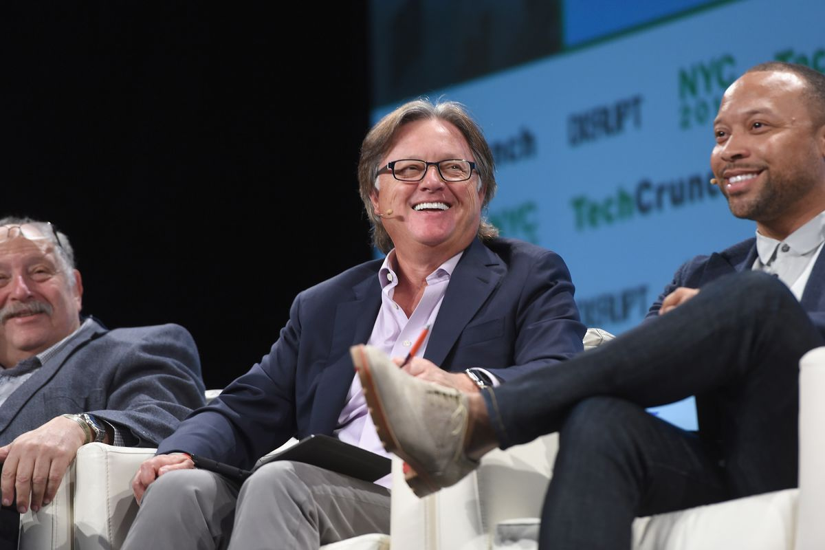 Eric Hippeau of Lerer Hippeau onstage