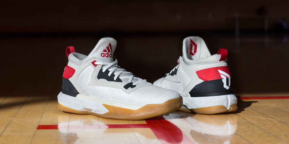 4a06588f9561 ... clearance lillard and adidas collaborated to design the shoe which pays  tribute to his upbringing in