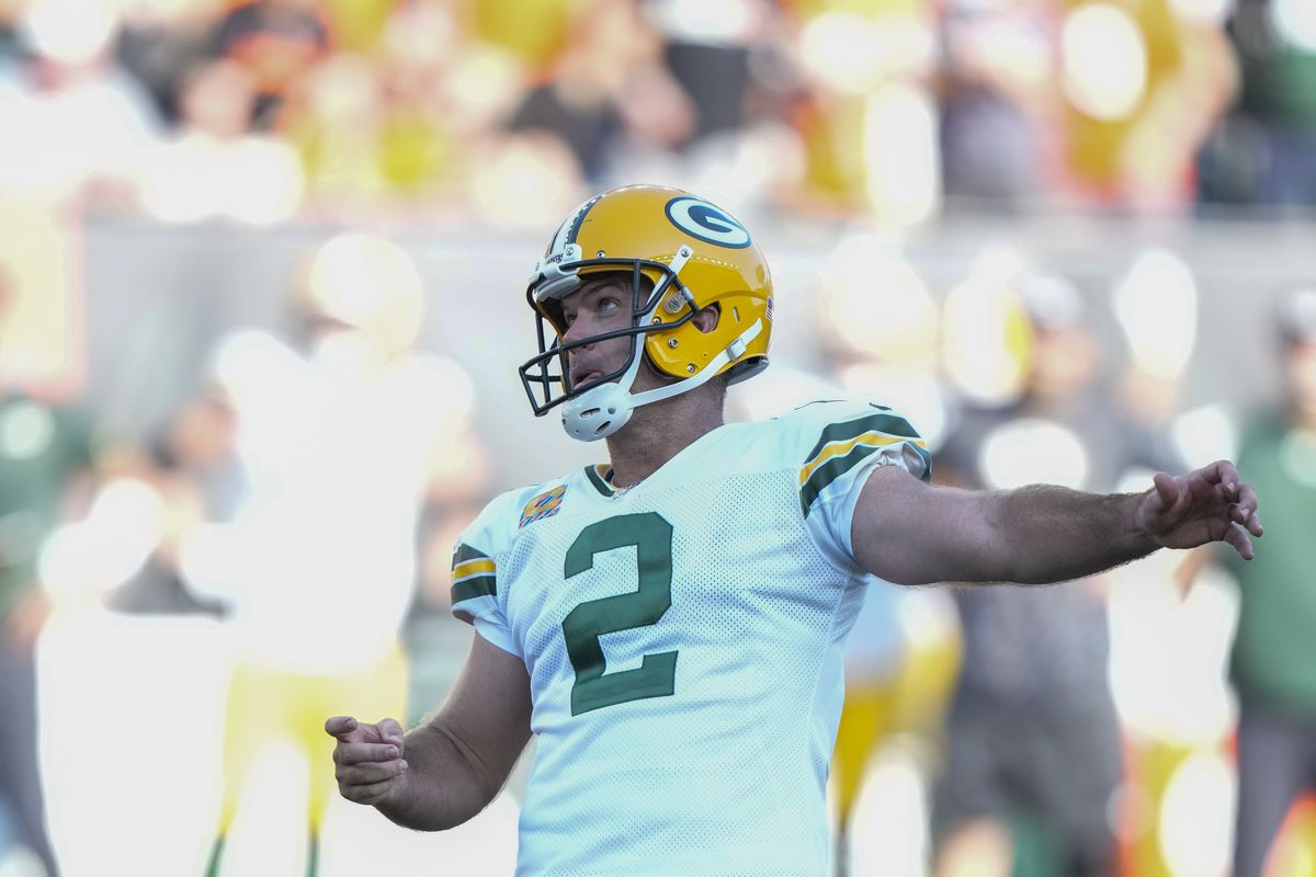 Green Bay Packers kicker Mason Crosby makes a game-winning field goal during overtime against the Cincinnati Bengals on Sunday.