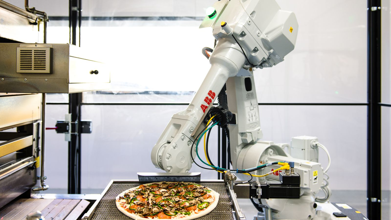 Pizza Made By Robots Baked On The Way To Your House