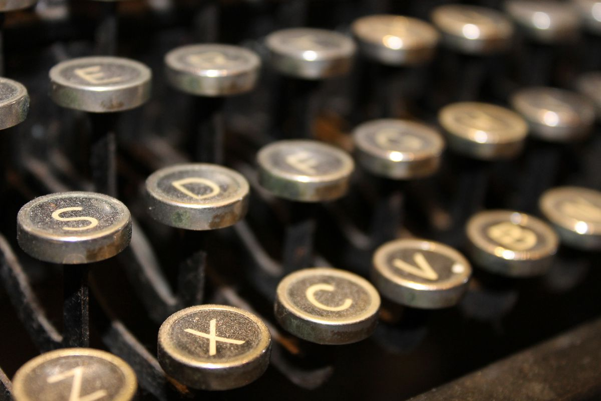 Ledes are made of these (letters, not typewriters)