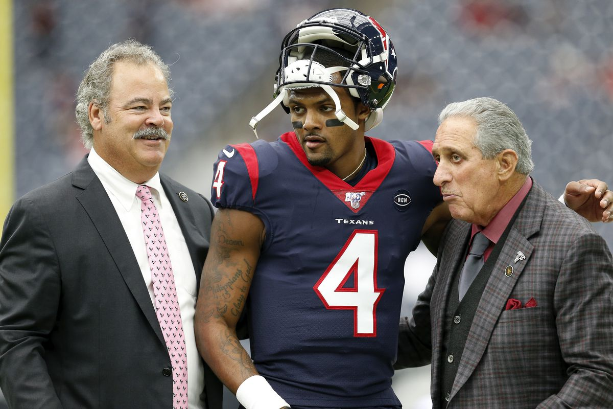 Deshaun Watson #4 of the Houston Texans, Cal McNair Chariman and CEO of the Houston Texans and Arthur Blank Owner of the Atlanta Falcons talk before the game at NRG Stadium on October 6, 2019 in Houston, Texas.