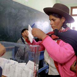 A Peruvian voter in 2001