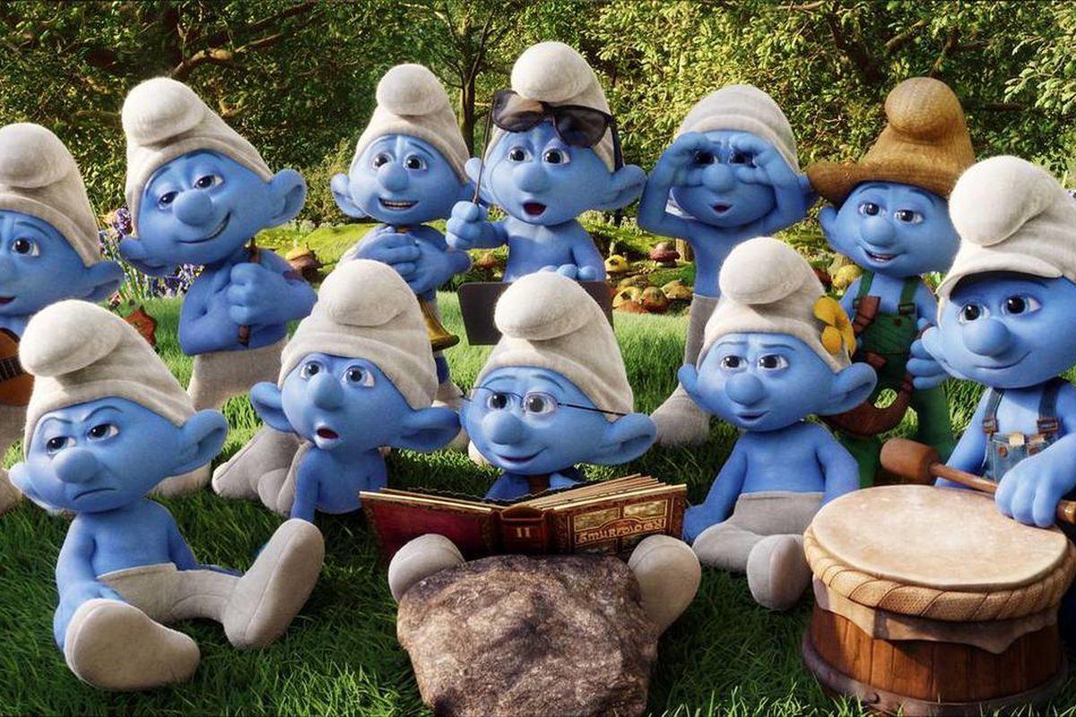 """A group of Smurfs in Smurf Village in """"Smufs 2."""""""