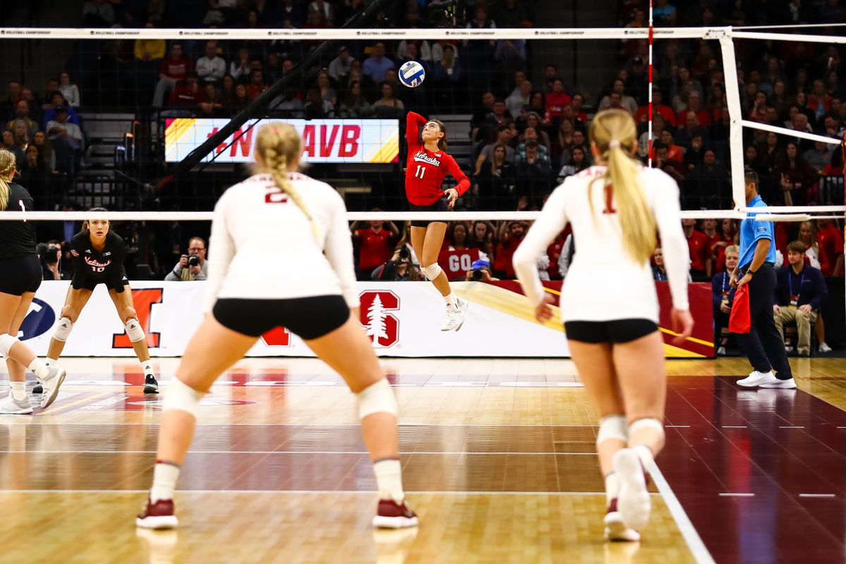 Volleyball 102 Explaining The Back Row Attack And Other Volleyball Rules Corn Nation