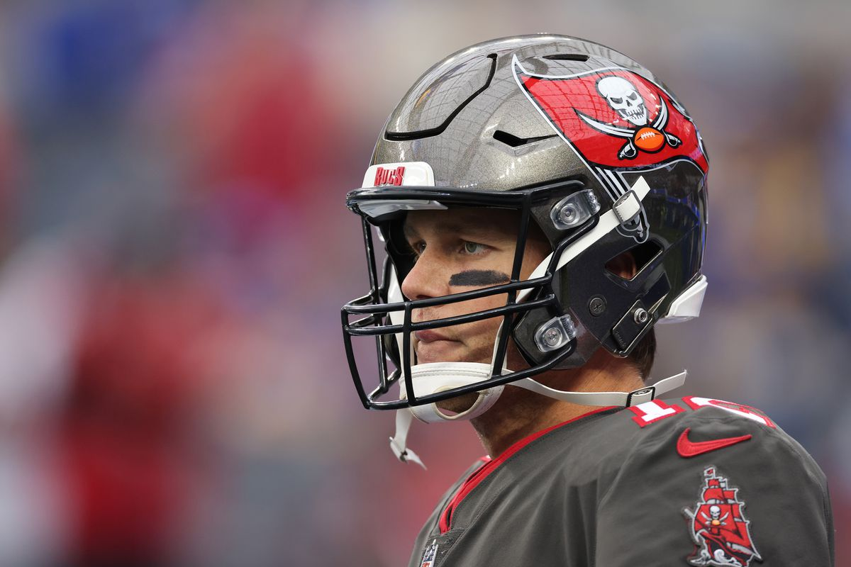 Tom Brady #12 of the Tampa Bay Buccaneers during warm-up before the game against the Los Angeles Rams at SoFi Stadium on September 26, 2021 in Inglewood, California.