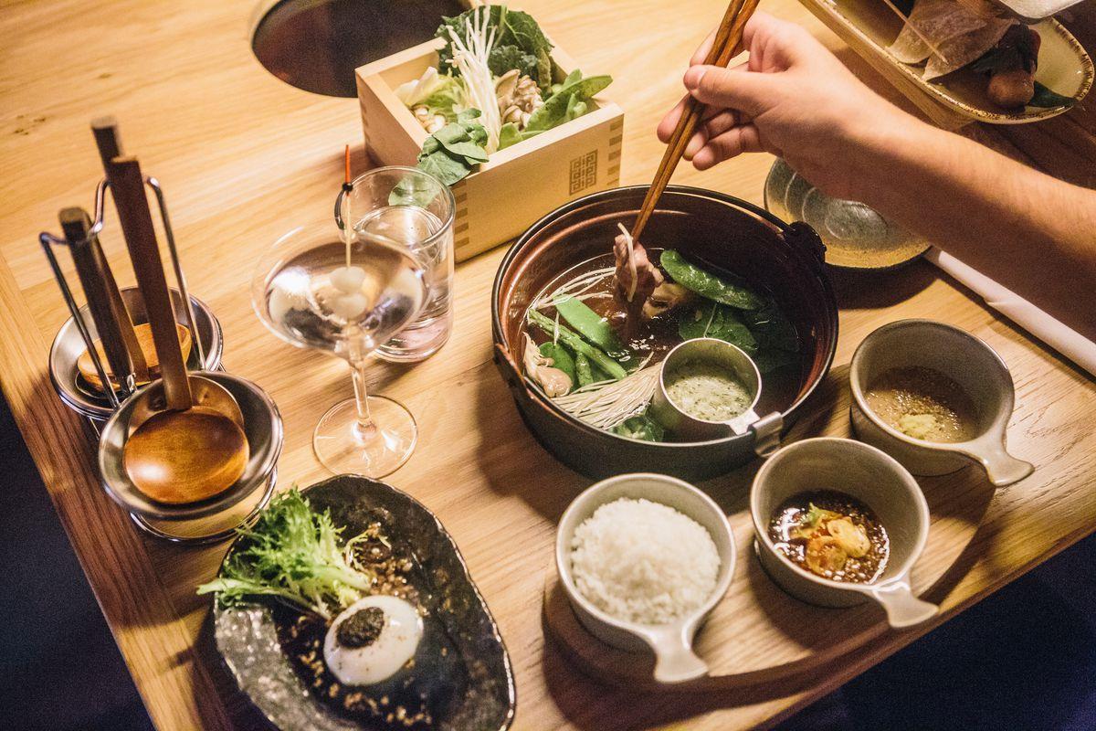 The shabu-shabu setup at DipDipDip Tatsu-ya
