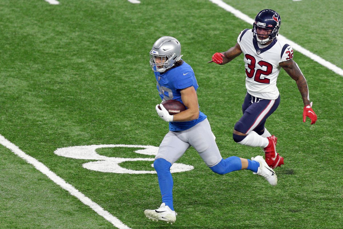 Detroit Lions tight end T.J. Hockenson (88) runs the ball during the first half of an NFL football game against the Houston Texans in Detroit, Michigan USA, on Thursday, November 26, 2020.