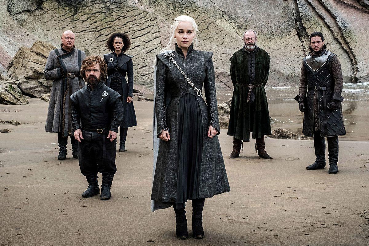 Emilia Clarke, Kit Harrington, Liam Cunningham, Conleth Hill, Nathalie Emmanuel and Peter Dinklage in Game of Thrones set