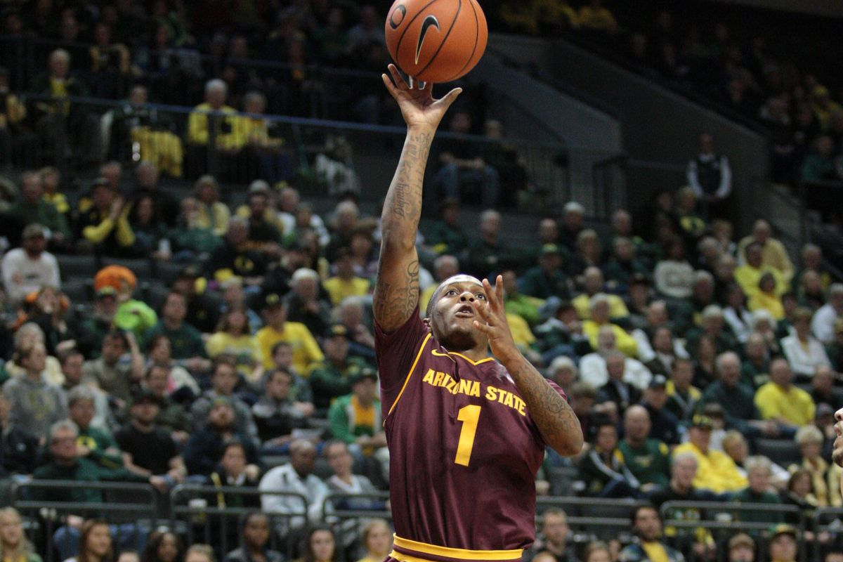 Jahii Carson goes up for a layup in the Sun Devils' loss to the Oregon Ducks