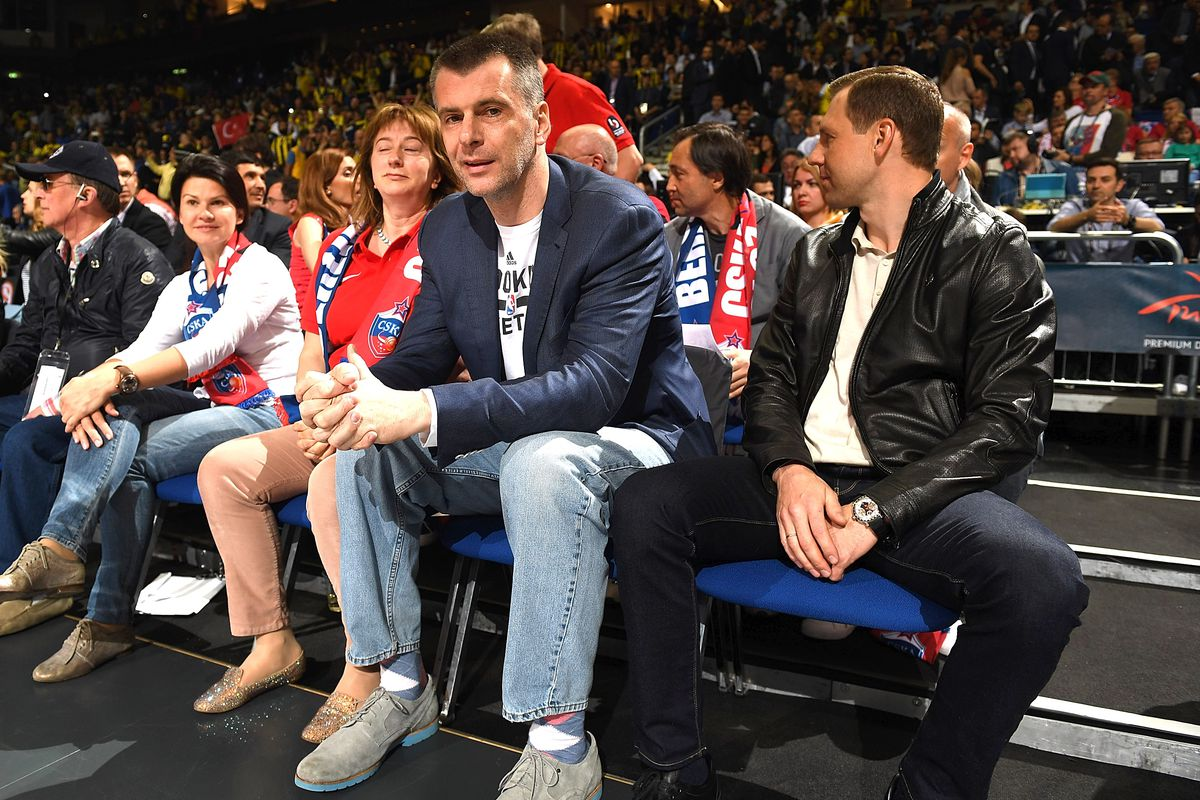 Mikhail Prokhorov looked at Knicks as well as Nets, but James Dolan wanted 'bizarre sum.'