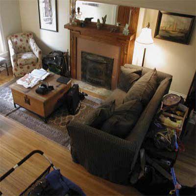 Before House Staging: Messy Livingroom