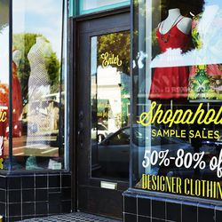 """Continue your bargain hunting bonanza at <a href=""""http://www.shopaholicsamplesales.com/"""">Shopaholic Sample Sales</a>'s <a href=""""http://la.racked.com/archives/2014/08/11/shopaholic_sample_sales_designer_deals_arrive_in_santa_monica.php"""">newest</a> location"""