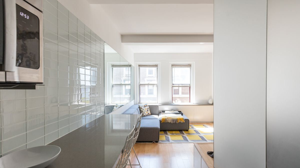 In 300 Square Feet An Architect Embraces Simplicity On The Upper West Side Curbed Ny