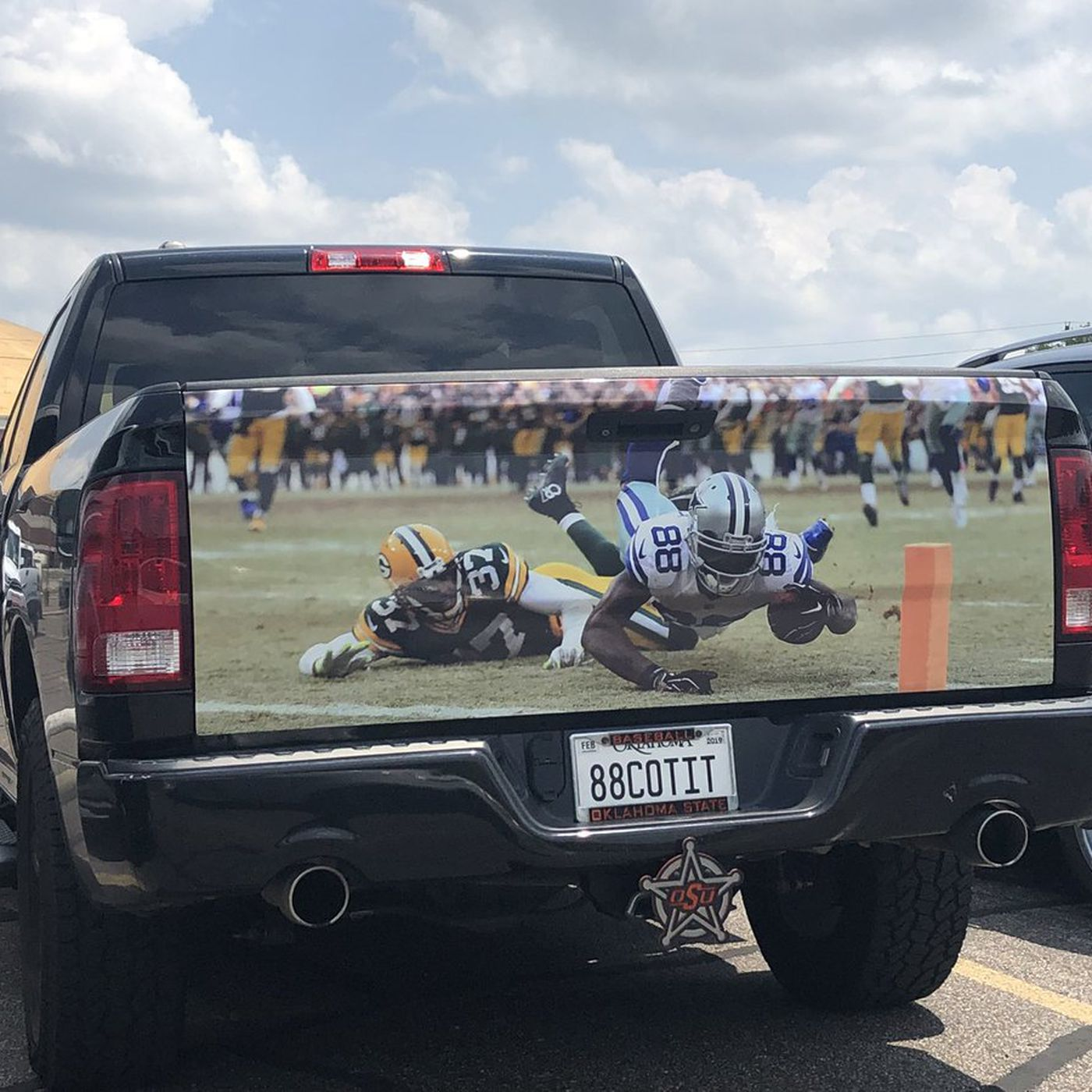 This Dez Bryant Fan S Truck Is A Moving Billboard For Dez