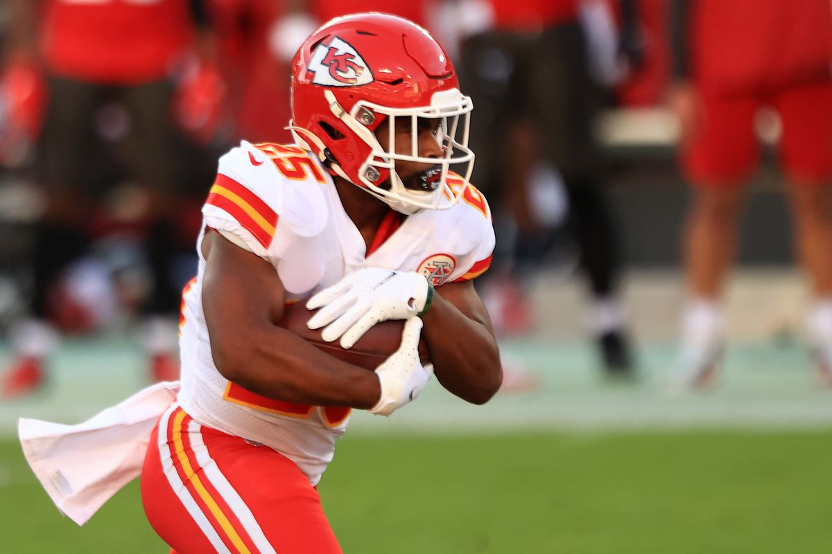 Clyde Edwards-Helaire #25 of the Kansas City Chiefs carries the ball in the first quarter during their game against the Tampa Bay Buccaneers at Raymond James Stadium on November 29, 2020 in Tampa, Florida.