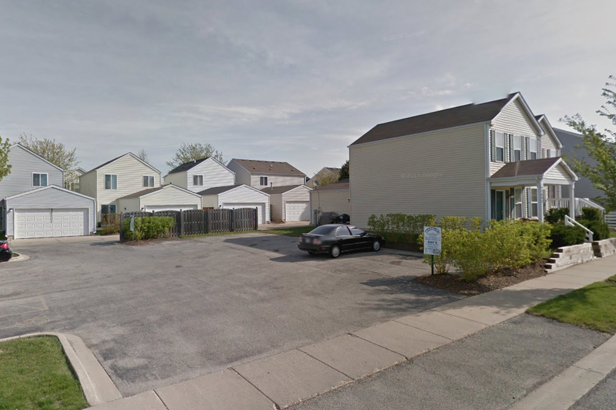Aurora police responded to a barricade situation Feb. 2, 2020 in the 1600 block of Maple Park Lane.