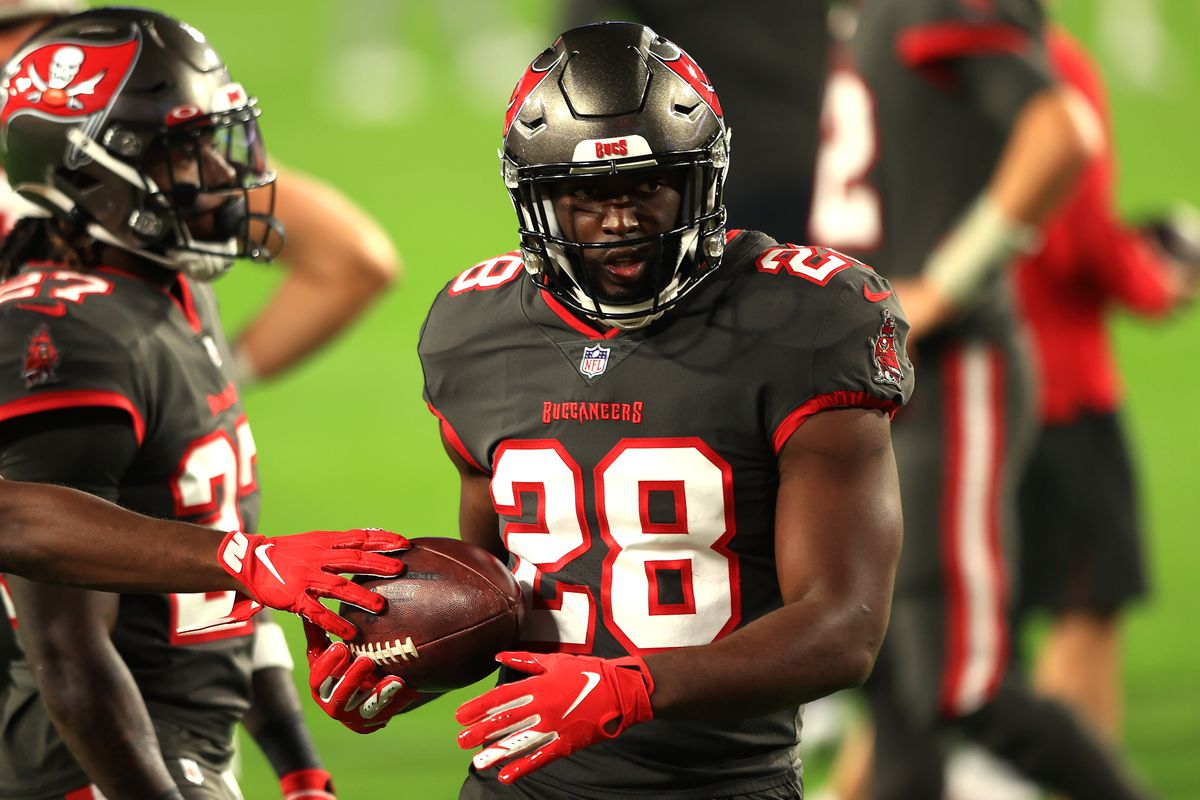 Leonard Fournette #28 of the Tampa Bay Buccaneers warms up prior to the game against the Los Angeles Rams at Raymond James Stadium on November 23, 2020 in Tampa, Florida
