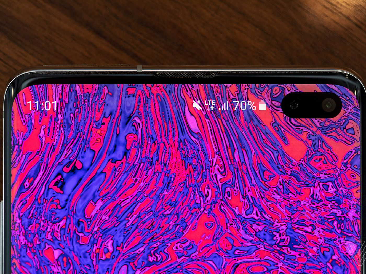 The Best Part Of The Galaxy S10 S Hole Punch Is The Potential For Wallpapers The Verge