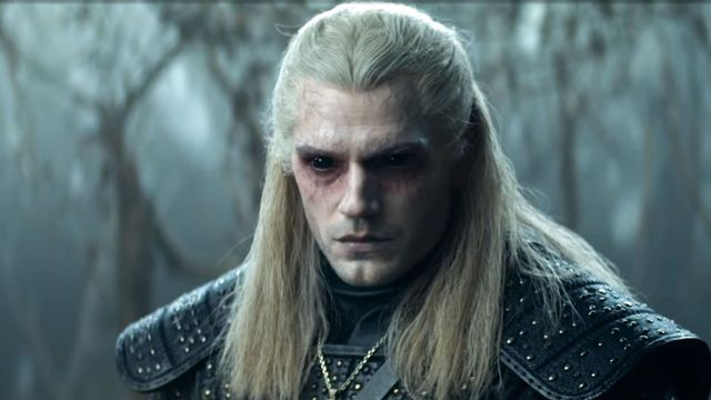 henry cavill gets black eyes as powered up geralt on the witcher