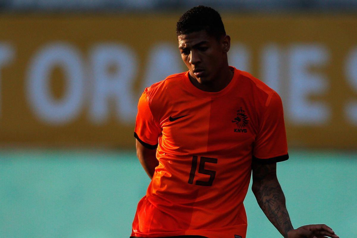 Patrick van Aanholt in action for the Dutch national side.