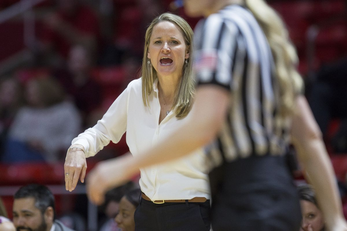 Utah women's basketball coach Lynne Roberts yells toward the court during the Utes' 84-68 loss to the Oregon Ducks at the Huntsman Center in Salt Lake City on Sunday, Jan. 28, 2018. The Utes have been voted to finish eighth in the Pac-12 this season accor