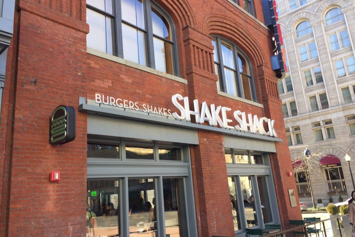 Shake Shack Plans Wage Increase at D.C. Locations - Eater DC