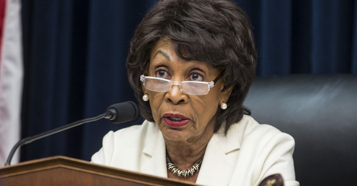 Top Democrat calls for Facebook to halt cryptocurrency plans until Congress investigates