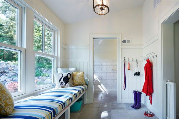 Mudroom With Open Storage Space Under a Bench