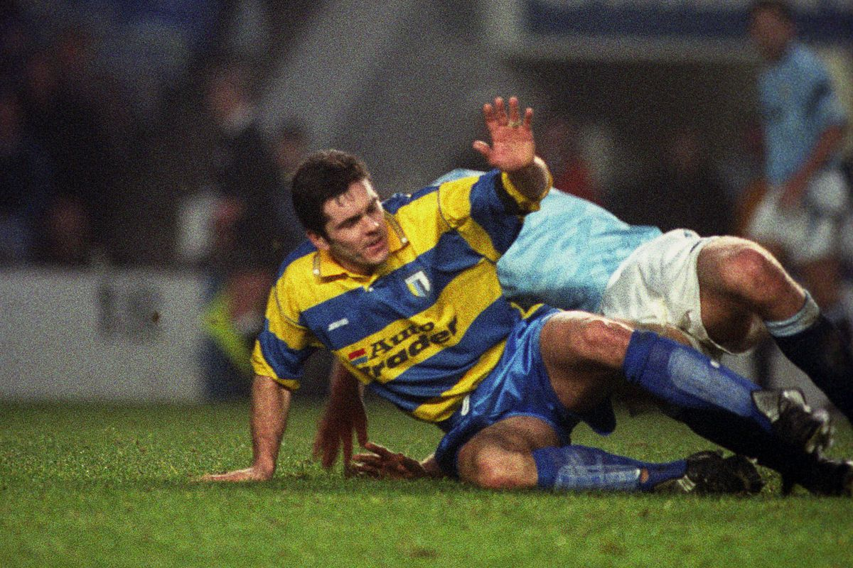 Soccer - FA Cup - 3rd Round - Manchester City v Reading - Maine Road