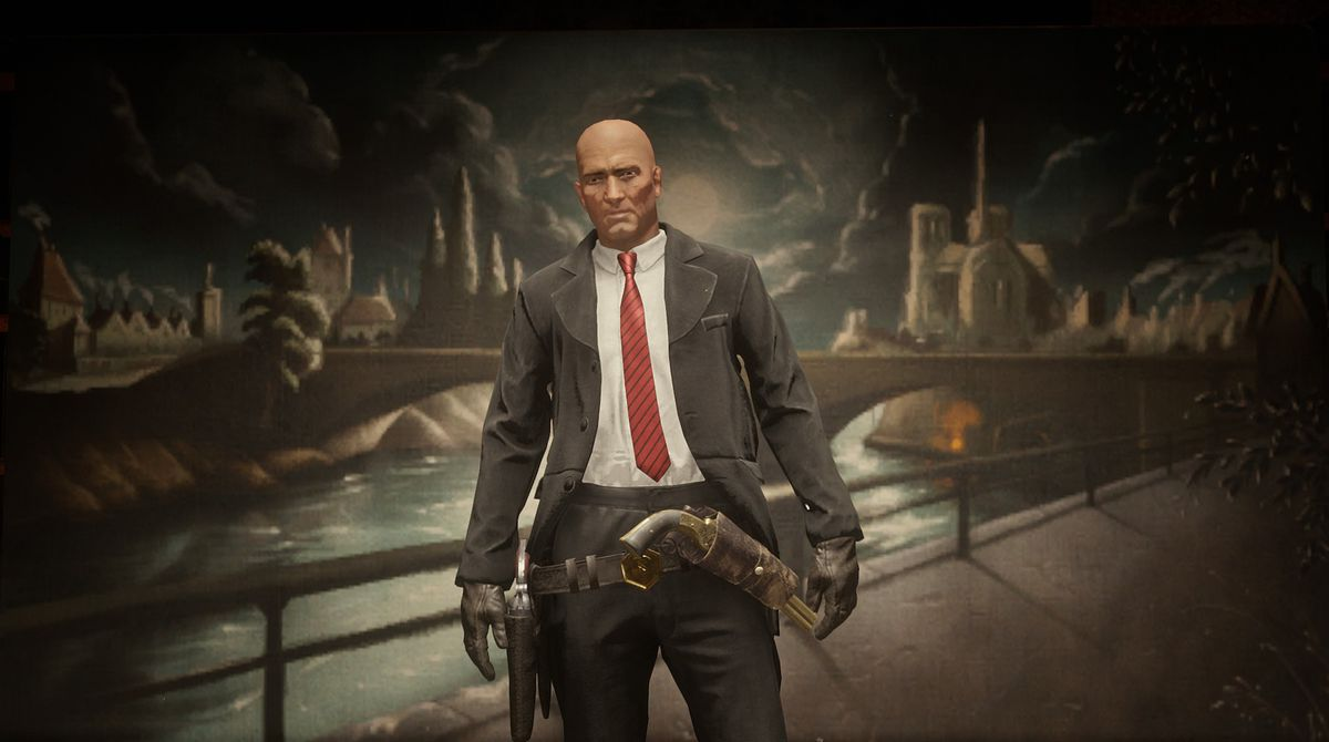 Red Dead Online - a player poses, dressed up as Hitman's Agent 47