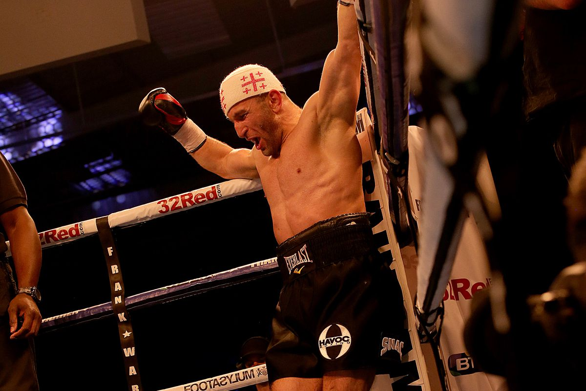 Saunders' title defence cancelled after opponent's arrest