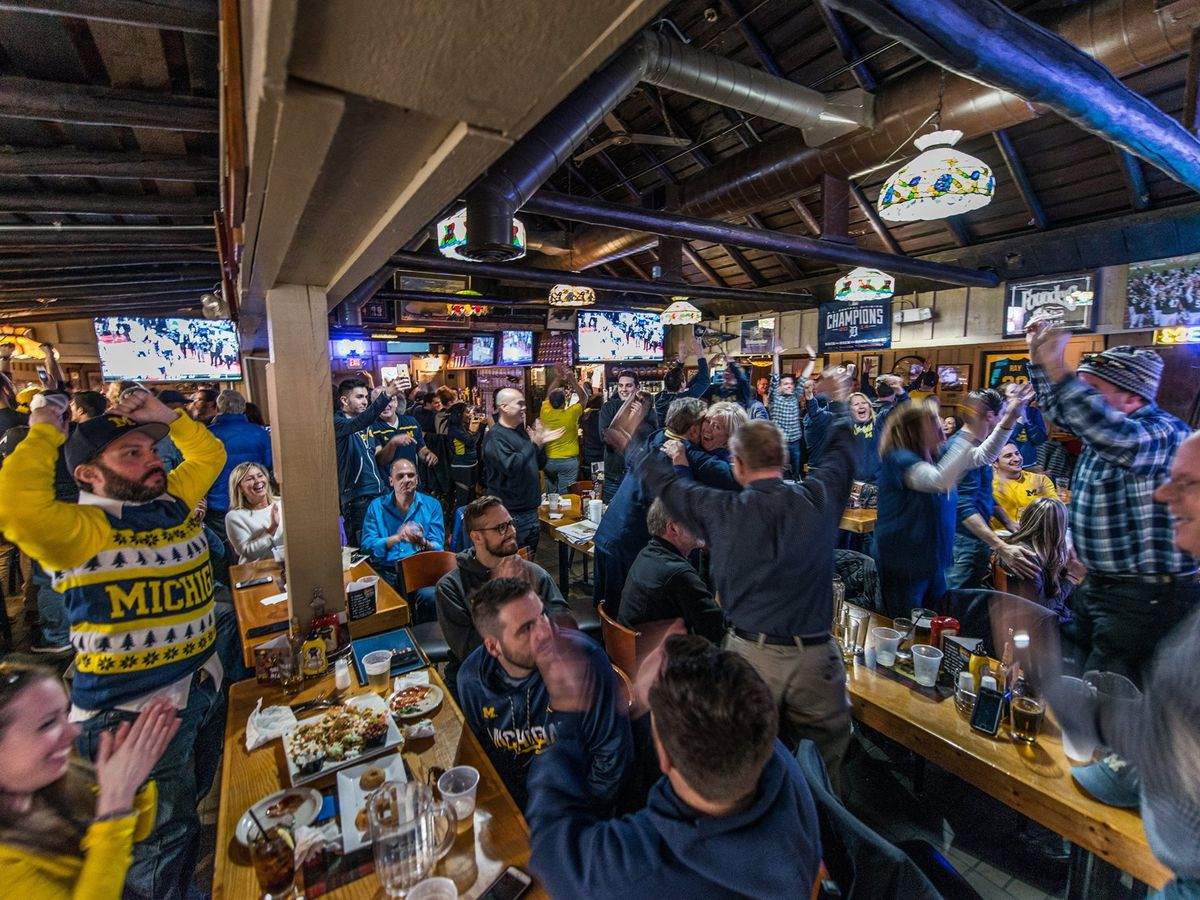 8 Sports Bars In Ann Arbor To Watch College Football