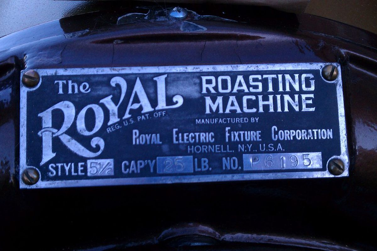 Royal Roasting Machine - Roasts the best peanuts you'll ever eat.
