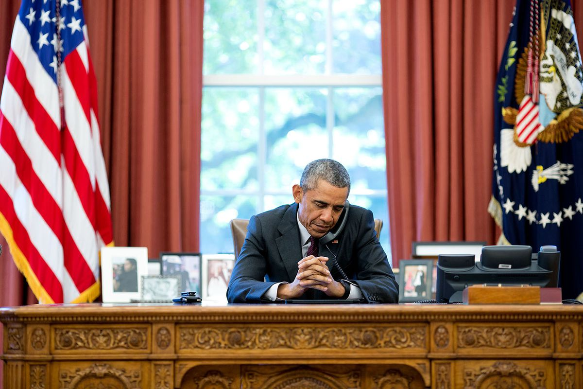 obama on phone oval office