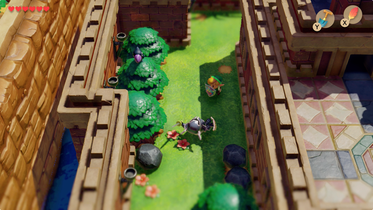 Link's Awakening Kanalet Castle the crow with the first Golden Leaf