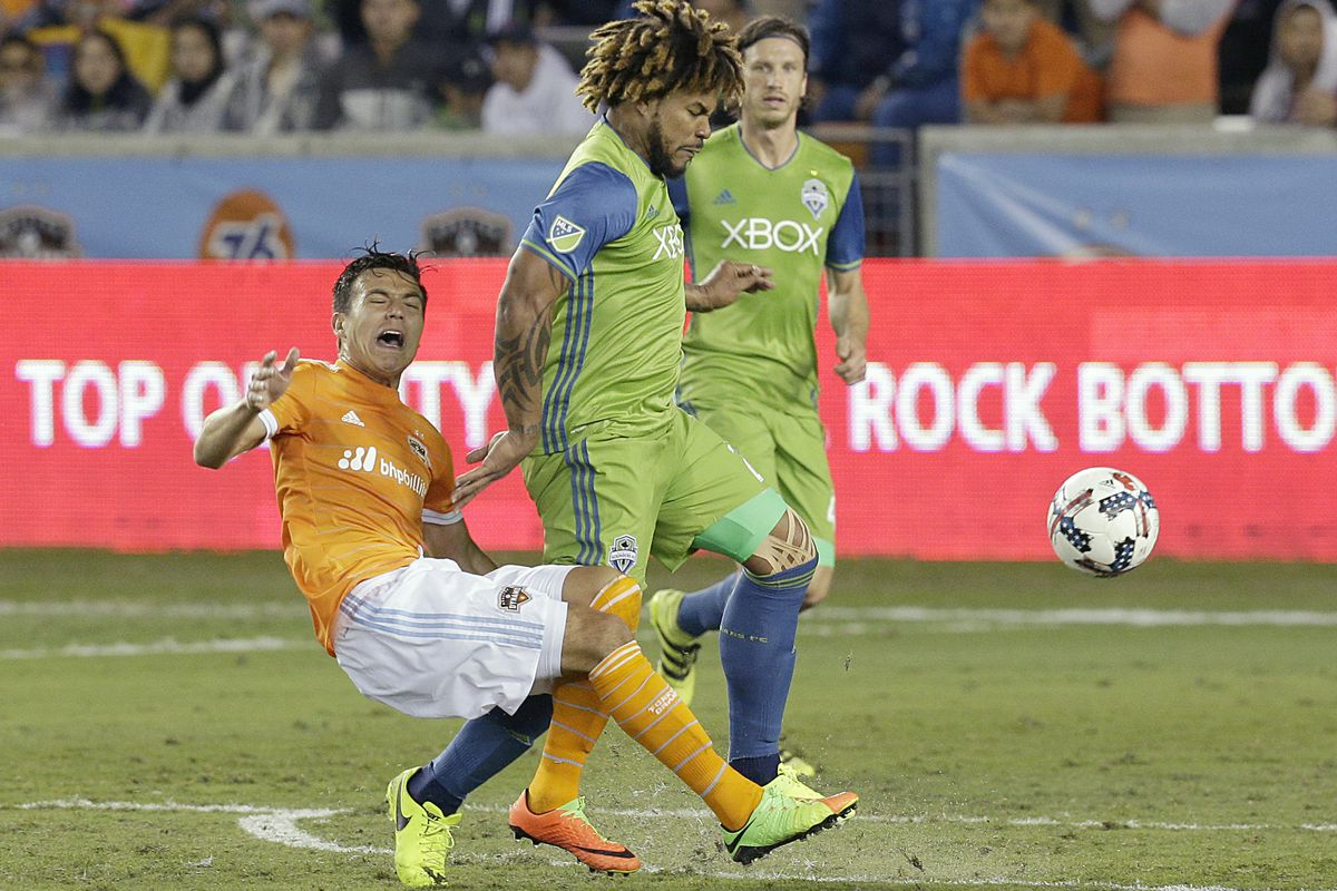 MLS Review: Sounders edge Dynamo, Orlando hold on