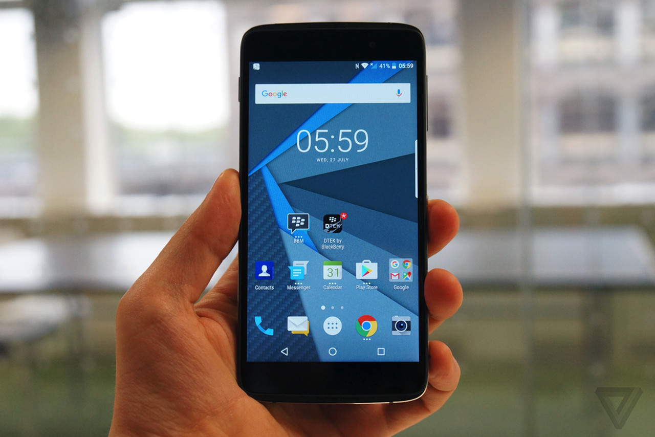 Hands On With Blackberry S Touchscreen Phone The Verge
