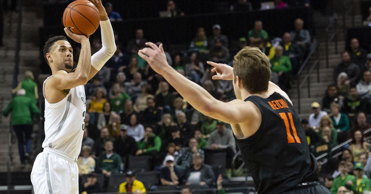 Civil War Win Places Oregon Atop the PAC, Ducks 69 - Beavers 54