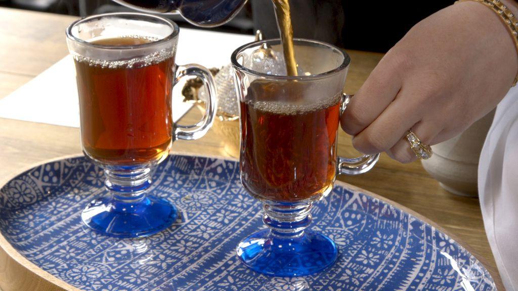 Hot tea being poured at Assyrian Kitchen in Jefferson Park. | Brian Rich/Sun-Times